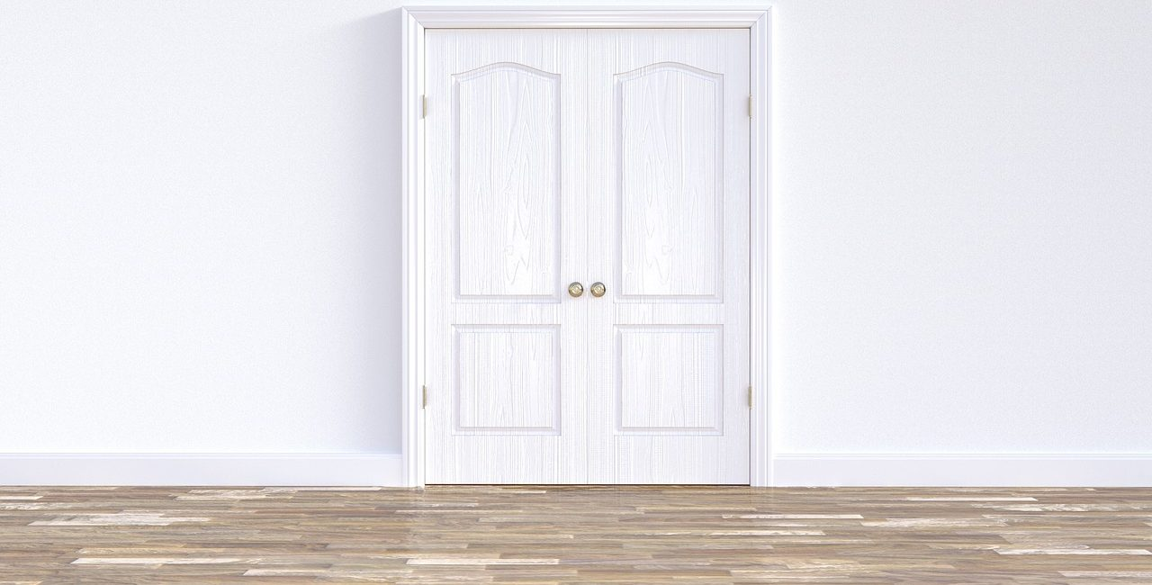 door-3299119_1280